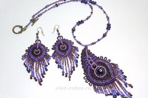Гарнитур ''Фиолетовые перья''